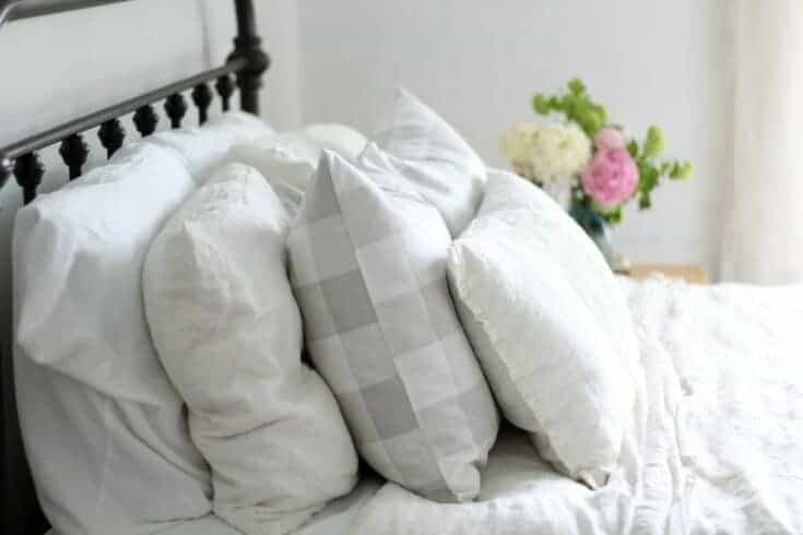 "Simple DIY 20"" Buffalo Check Pillow Covers"