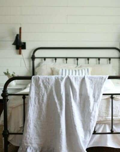 Linen and Ruffle Throw Blanket Tutorial