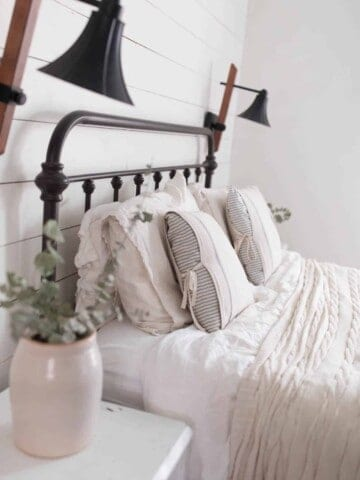 DIY Farmhouse Style Pillow Covers