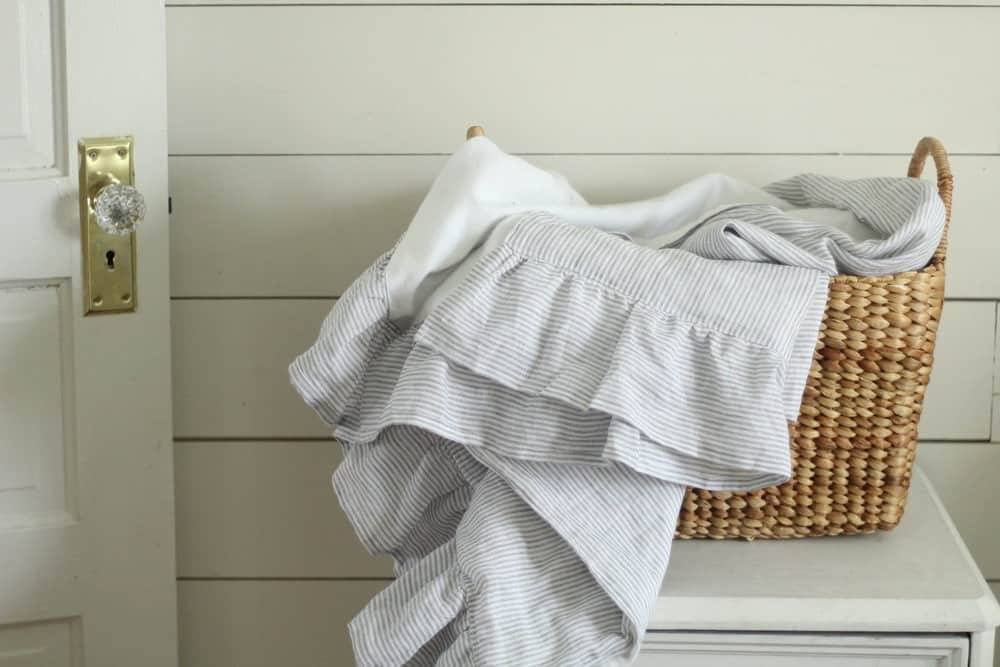 diy linen blanket simple tutorial