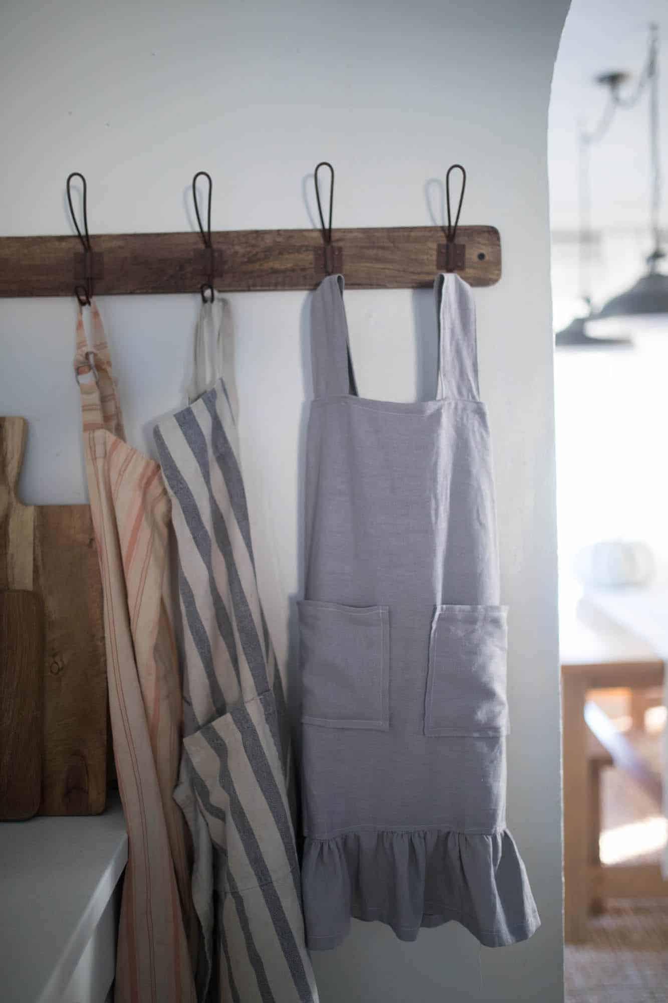 Farmhouse Style Vintage Pinafore Apron DIY Free Sewing Pattern