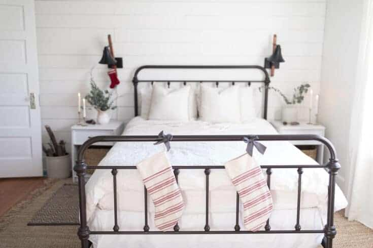 Natural Christmas Decorations- Farmhouse Christmas Bedroom