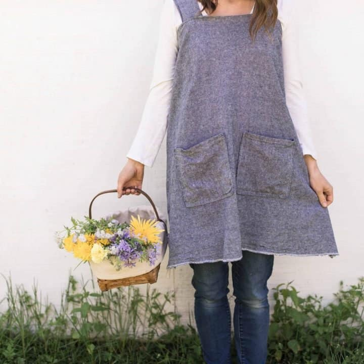 Cross Back Apron Pattern for Women- with video!