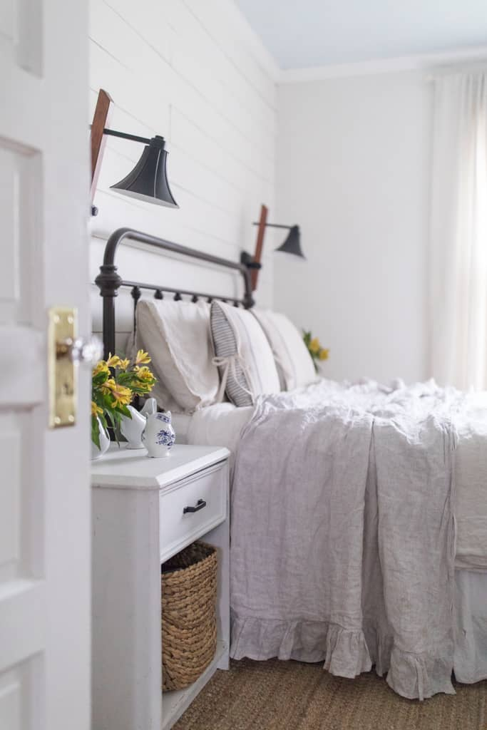 Simple Spring Farmhouse Bedroom