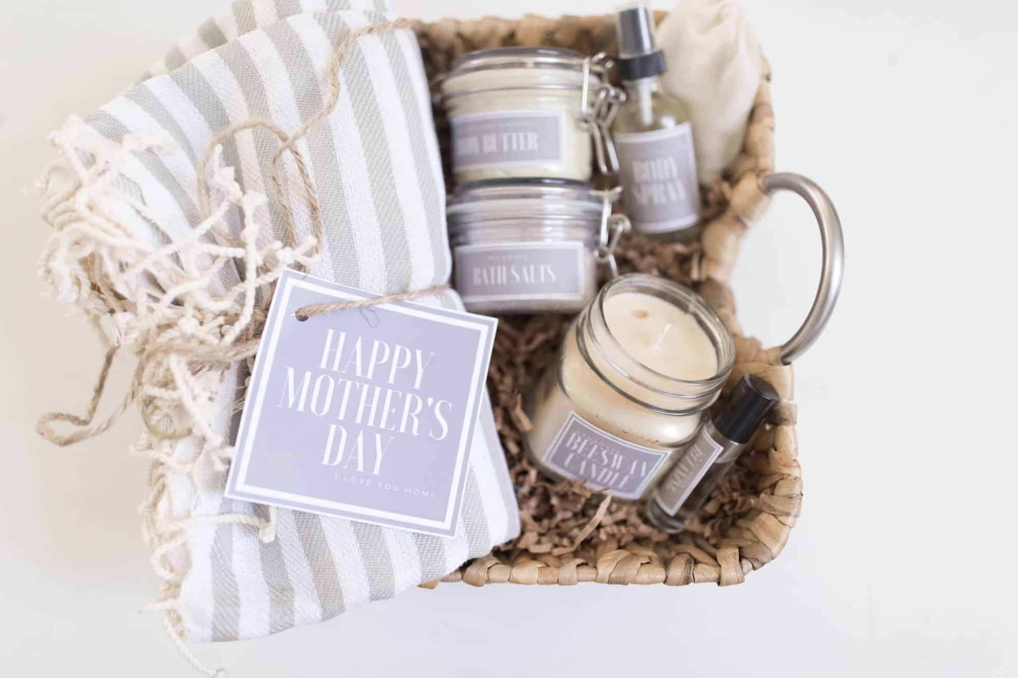 afa49da238bd1 Handmade Mother's Day Gift Baskets with Free Printable Labels ...