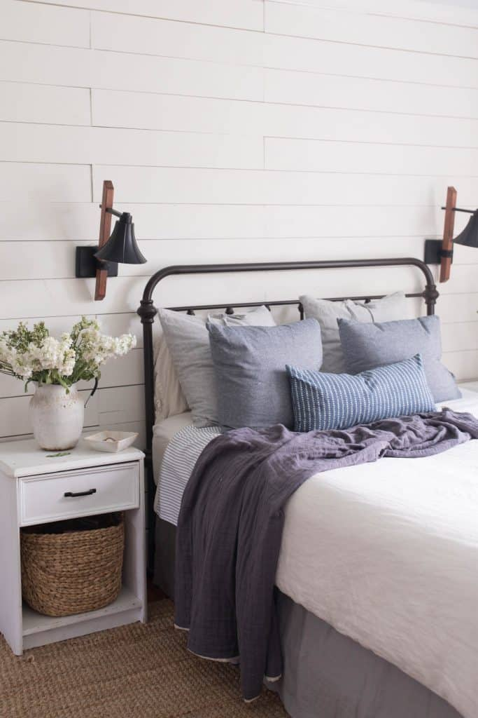 farmhouse style bedroom summer decorating ideas