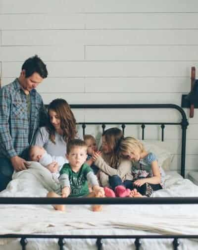 family of seven full time bloggers lifestyle blogger