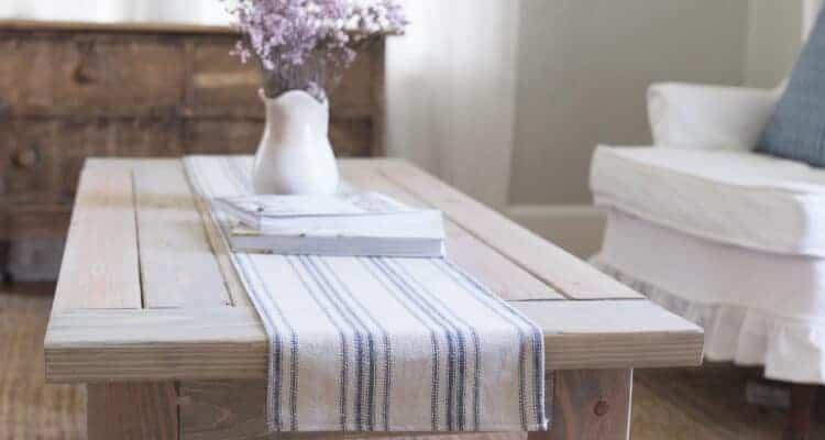 Farmhouse Coffee Table DIY Plans