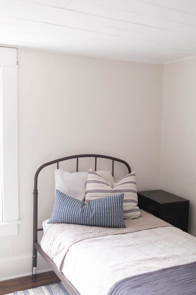 Benjamin moore soft chamois paint color farmhouse style bedroom
