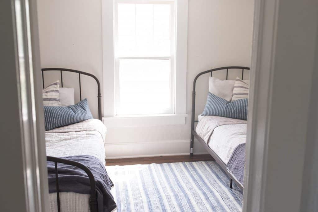 Farmhouse boys bedroom makeover