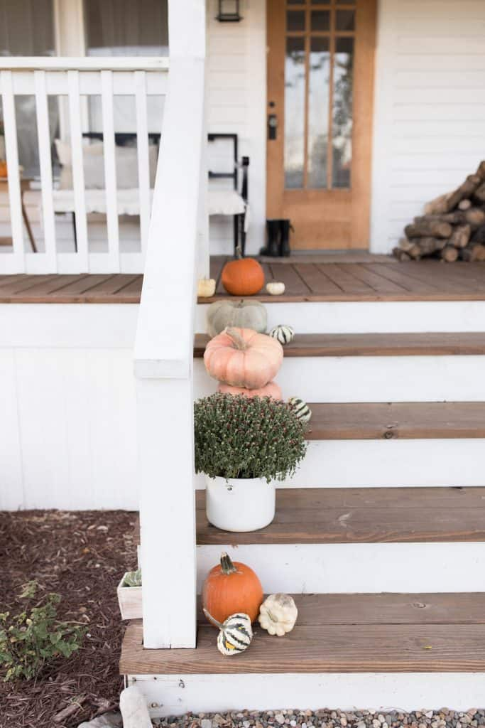 Simple farmhouse front porch decor