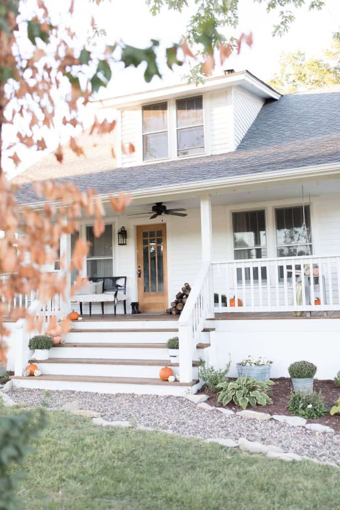 farmhouse fall front porch decorating