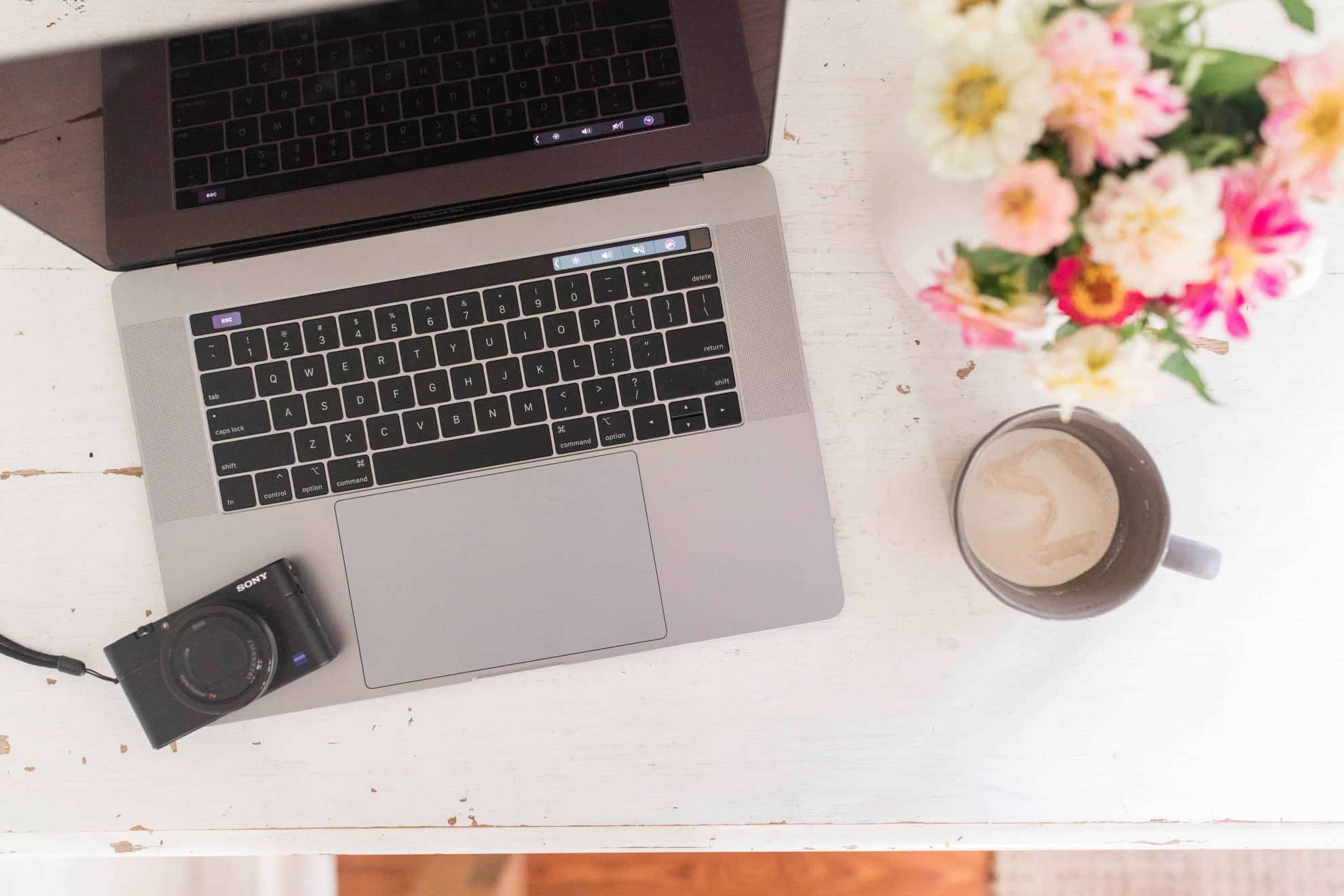 How to Start a Blog and Earn an Income