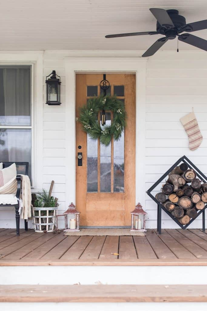 Farmhouse Christmas Front Porch decorations