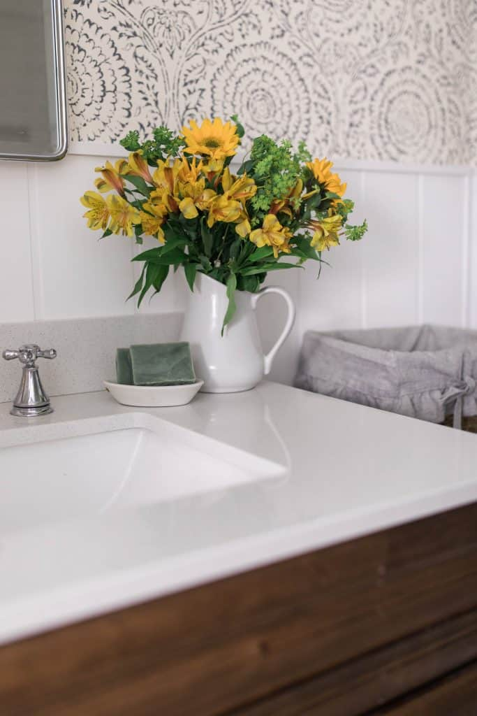 farmhouse bathroom finishing touches