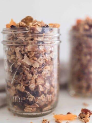 rustic granola with raisin