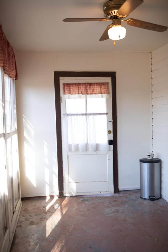farmhouse mudroom before photos