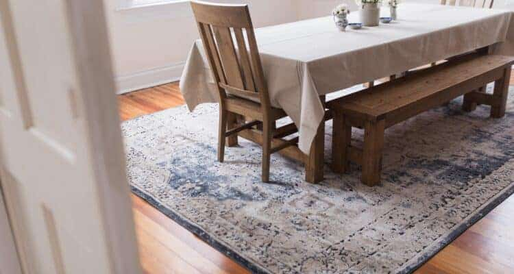 farmhouse table setting decor