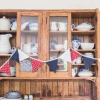 How to Make Fabric Bunting Fourth of July Decorations DIY