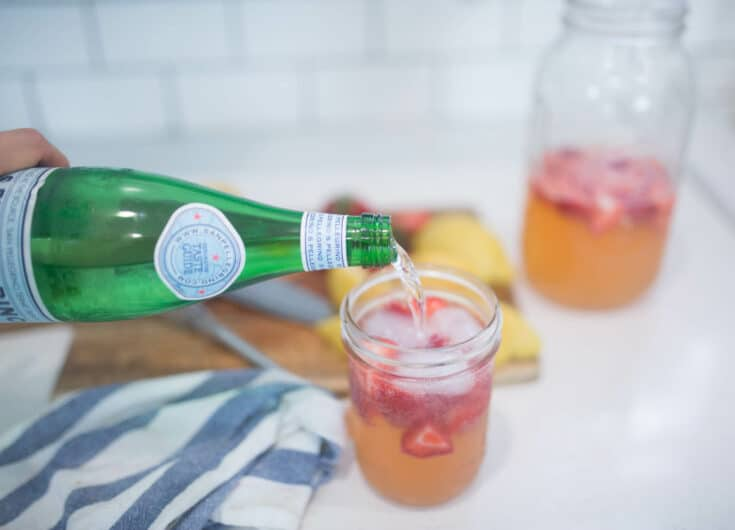 Healthy Sparkling Strawberry Lemonade Recipe