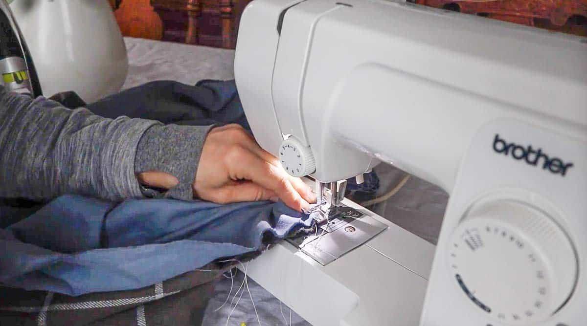 sewing a DIY flannel blanket together