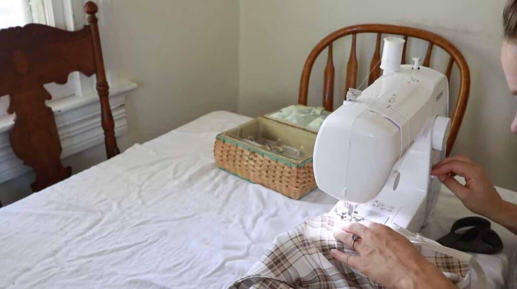 sewing bias tape to an apron